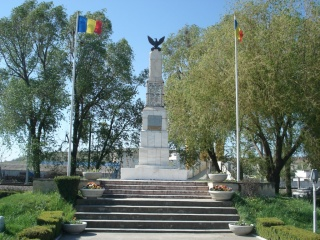 monumentul_eroilor_01